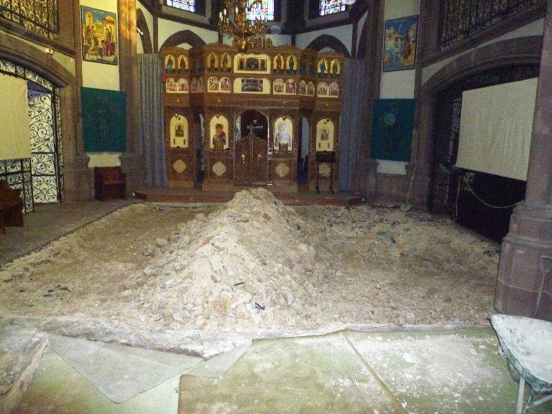 Biserica în timpul lucràrilor